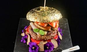 Chiếc bánh burger đắt nhất Singapore