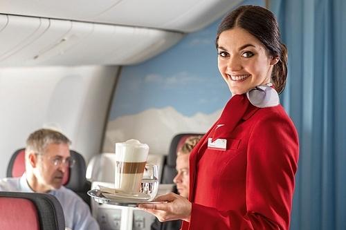 Nhiều hành khách cho rằng việc bạn tuân thủ mọi yêu cầu của tiếp viên và không gây chuyện trên chuyến bay đã là cách tip tốt nhất. Ảnh: Pinterest.