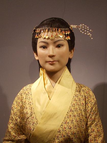 Bức tượng sáp phục dựng mô tả hầu tước phu nhân ngày còn trẻ và khỏe mạnh. Ảnh: Wikimedia.