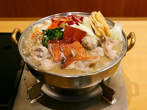Du khách có thể tìm tới một số nhà hàng lẩu chankonabe ngon tại Tokyo như Chanko Kuroshio, Negima, Tamakairiki Ginza, Tomoegata, Mizutaki Genkai, Kappo Yoshiba... Ảnh:Time Out.