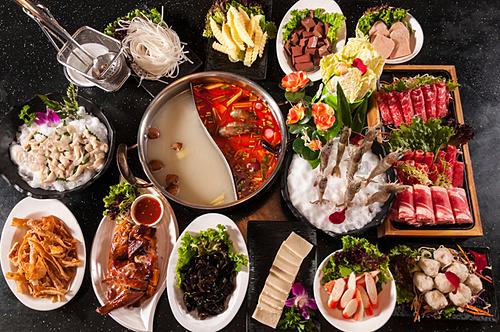 Thực khách có cơ hội thưởng thức món lẩu thơm ngon chỉ với 399.000 đồng.