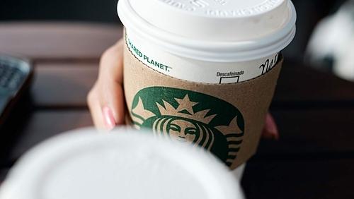 Đại diện quán cà phê cho biết họ luôn làm cẩn thận và đúng cách, đúng nhiệt độ khi phục vụ đồ uống cho khách. Ảnh: Stock.