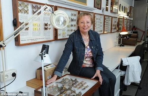 Hiện Juliane, 64 tuổi, hiện là một nhà nghiên cứu động vật,đảm nhiệm chức phó giám đốc viện nghiên cứu Bavarian State Collection tại Munich (ZSM) và giám đốc trạm nghiên cứu Panguana tại Peru nơi bố mẹ bà từng công tác.Bà đã xuất bản cuốn tự truyệnWhen I Fell From the Sky (Từ trên trời rơi xuống) vào năm 2011, kể về câu chuyện sinh tồn của mình.Ảnh:Coleman Rayner.