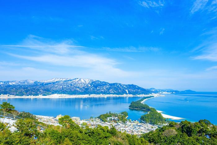 Bờ biển Amanohasidate là một trong ba danh thắng đẹp nhất Nhật Bản. Ảnh:Shutterstock.