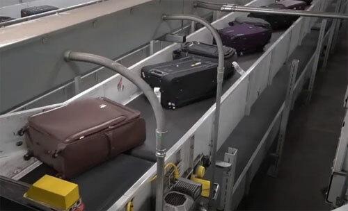 Hành lý ký gửi tại sân bay Atlanta có thể di chuyển hơn 1,6 km, từ đầu này đến đầu kia của một băng chuyền. Ảnh: Sun.