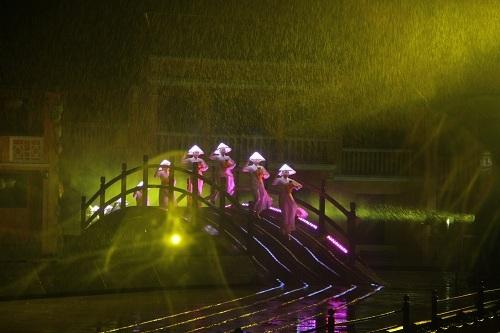 Ký ức Hội An là một trong những show diễn thực cảnh đẹp nhất của Việt Nam.