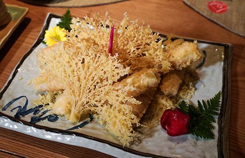 Nem cua Hoàng đế lần đầu ra mắt tại nhà hàng.