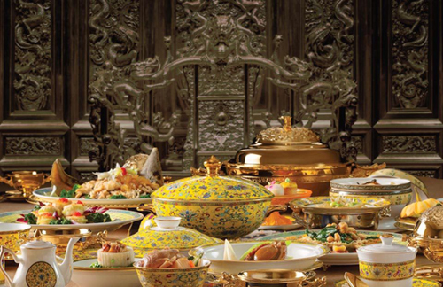 Bàn tiệc dựa theo các món ăn trong Đại tiệc hoàng gia Mãn - Hán. Ảnh:Galaxy Macau.
