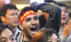Khách nước ngoài: 'Việt Nam xứng đáng được công nhận bàn thắng'