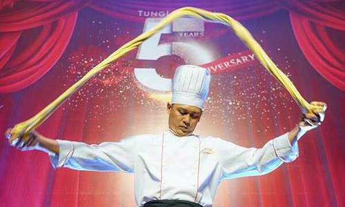 Biểu diễn chế biến mỳ sợi Trung Quốc