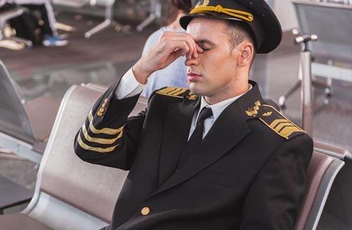 Phi công là một nghề áp lực cao, phải trải qua nhiều năm đào tạo căng thẳng. Ảnh: Travel wire news.