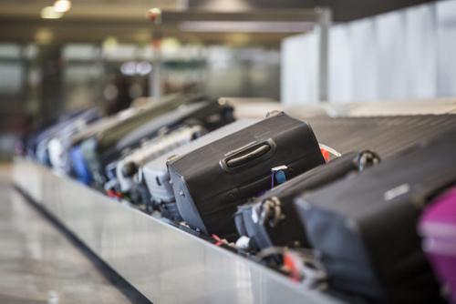 Nhiều hành khách cho biết, việc chờ đợi hành lý trên băng chuyền là một trong những phần khiến họ cảm thấy chán nản nhất sau chuyến bay. Ảnh: Catwalk photos/stock.adobe.