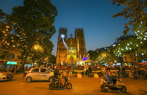 Nhà thờ lớn Hà Nội trong không khí giáng sinh năm 2018. Ảnh: Kiều Dương.