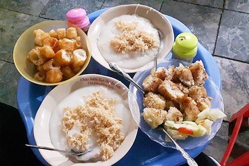 Cháo sườn ở Ngõ chợ Đồng Xuân thơm ngon, bổ dưỡng.