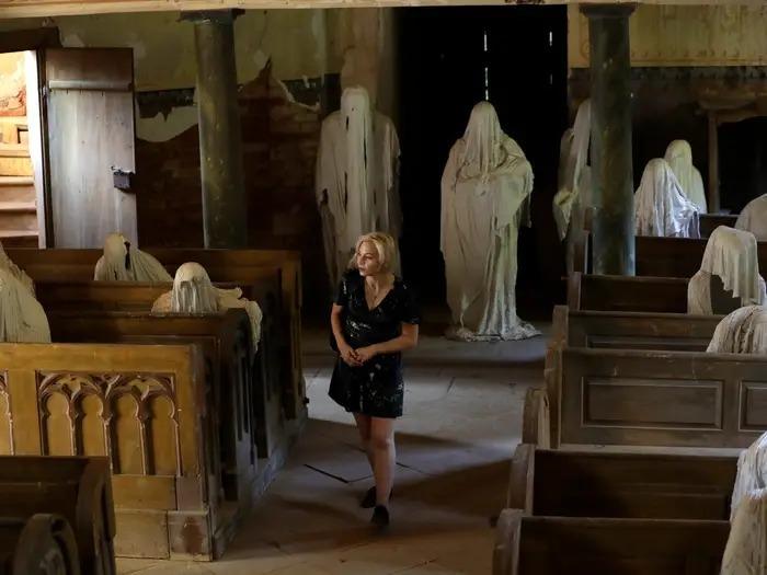 Nhà thờ cổ hồi sinh nhờ những bóng ma