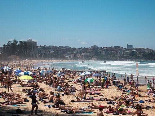 Những bãi biển đông nghịt ở Australia. Ảnh: Geoff Stearns.