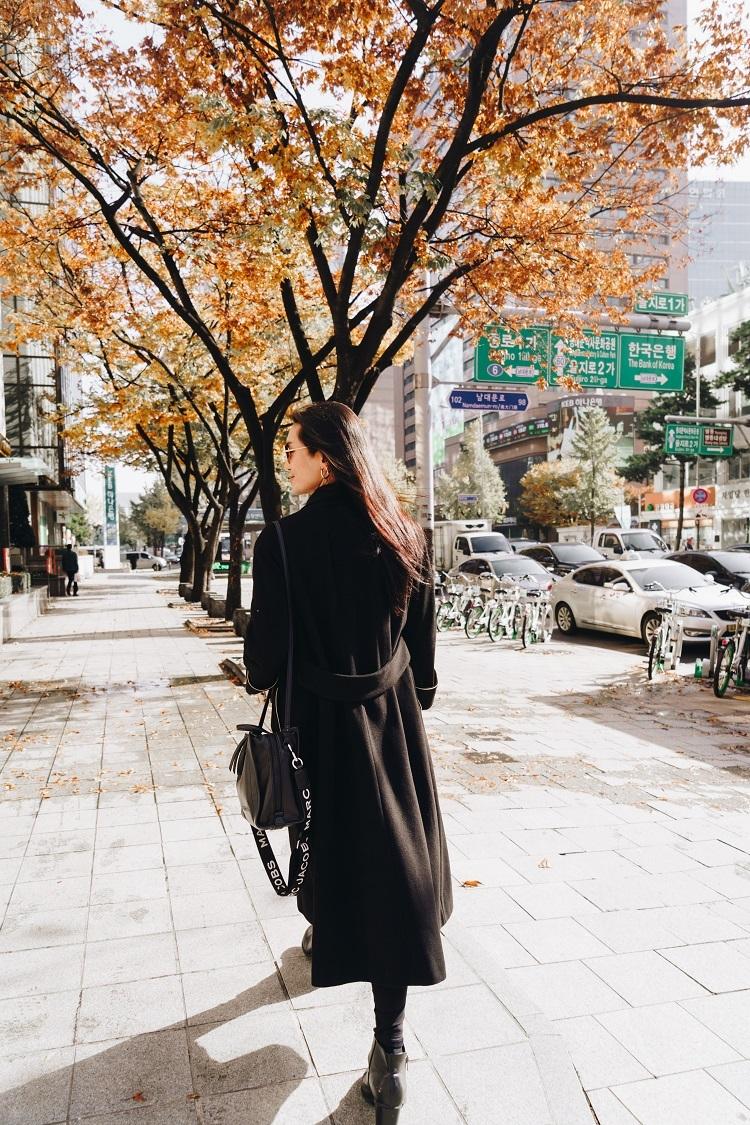 Để dễ dàng di chuyển khắp Hàn Quốc, đừng quên mua và mang theo vé di chuyển các phương tiện công cộng như KR Pass, Discover Seoul Pass hay thẻ T-money tại Klook. Bạn sẽ tiết kiệmđến 60% cùng nhiều chương trình ưu đãi độc quyền hấp dẫn.