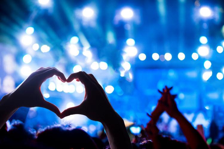 Chương trình âm nhạc giúp bạn tiến lại gần hơn với người mình yêu thương.