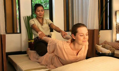tận hưởng Yoga massage Thái