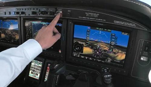 Điểm trừ của hệ thống là không thể hoạt động chính xác nếu máy bay ở một khu vực hẻo lánh, trên những vùng nước lớn hoặc gặp sự cố cơ học, hết nhiên liệu. Ảnh: Sun.