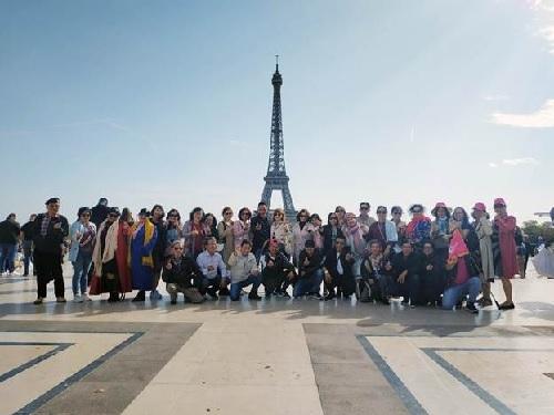 Khách du lịch chọn đi tour châu Âu, Australia, Mỹ.
