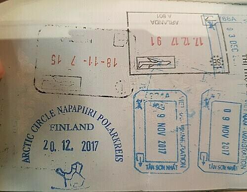 Để minh chứng đã đến làng Santa Claus, du khách có thể đóng dấu vào hộ chiếu cá nhân của mình.