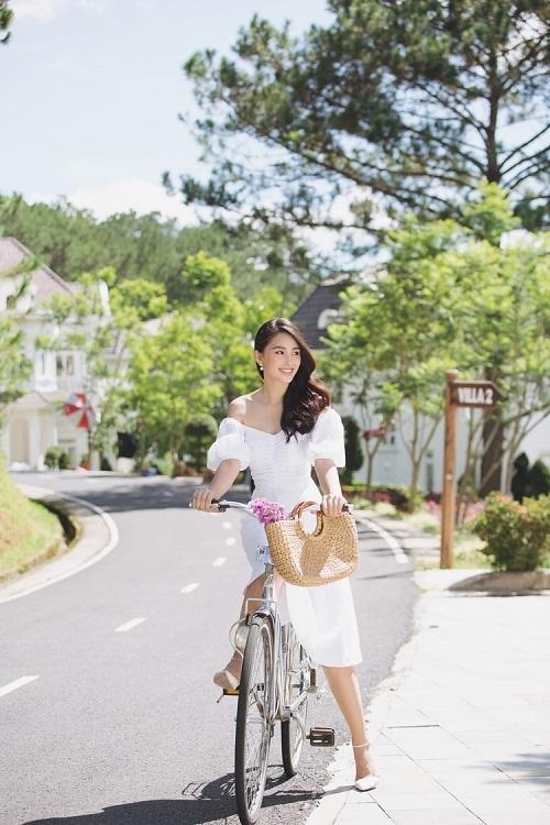 Sam Tuyền Lâm Golf & Resorts sở hữu 3 khu nghỉ dưỡng với hơn 200 phòng, 10 căn villa và 1 sân golf giữa thiên nhiên.