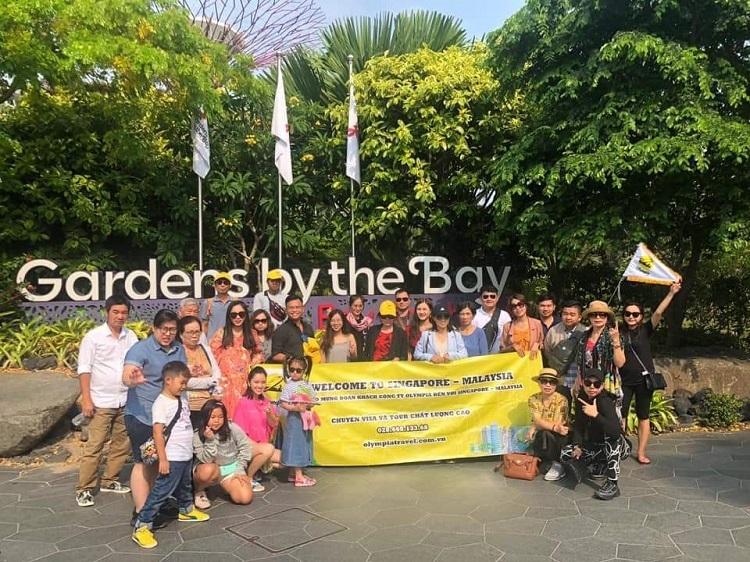 Đoàn tham quan của Olympia Travel ghé thăm Gardens by the Bay, Singapore.