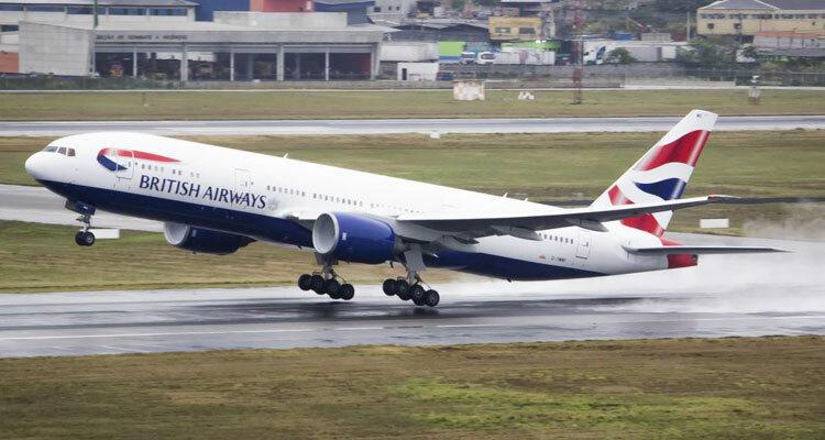 Hãng hàng không British Airways cuối cùng đã phải xóa dòng hồi đáp khách hàng sau khi bị nhiều người chỉ trích về thái độ. Ảnh: Travelupdate.