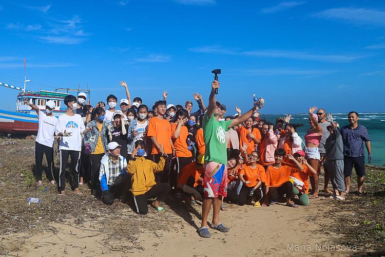 Chiến dịch nhỏ đã nhận được sự tham gia của đông đảo người địa phương và du khách trên đảo. Ảnh:Maria Nelasova