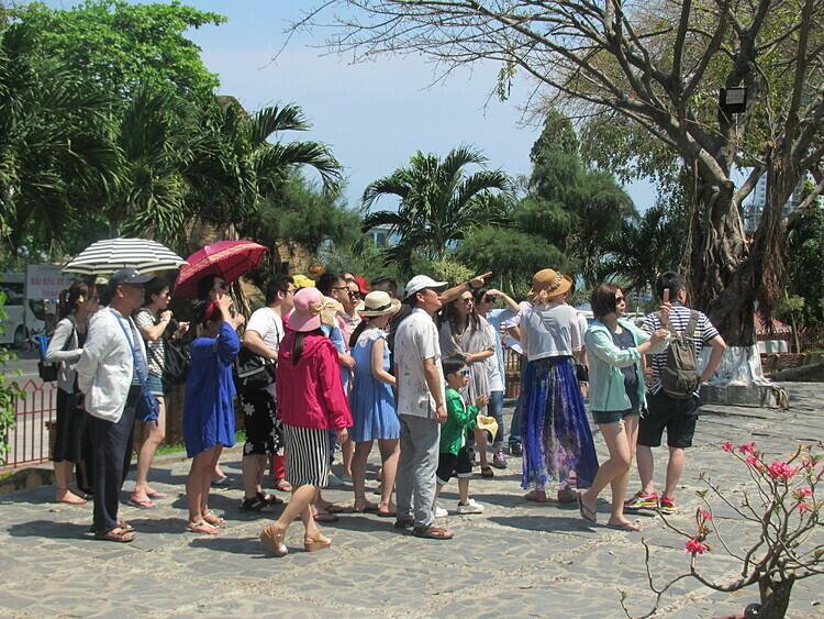Nha Trang là điểm đến yêu thích hàng đầu của khách du lịch Trung Quốc. Ảnh: Nguyễn Nam.
