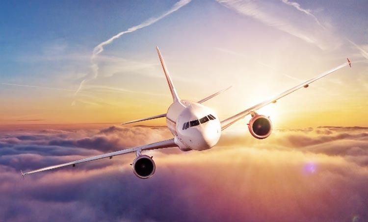 Nhiều người chỉ cần săn được vé máy bay giá rẻ là sẵn sàng xách balo và lên đường. Ảnh: Silicon Canals.