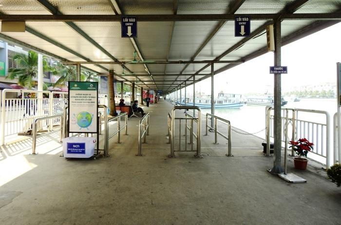 Khu vực kiểm soát vé tham quan vịnh Hạ Long ngày 31/1. Ảnh: Minh Cương.