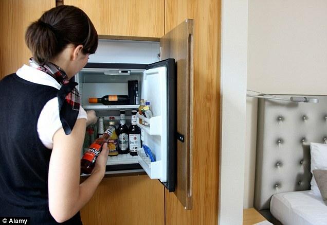 Loại bỏ minibar cũng giúp các khách sạn giảm lượng công việc cho bộ phận dọn phòng và gỡ bỏ rất nhiều tranh cãi về phí thanh toán khi trả phòng. Ảnh:Alamy.