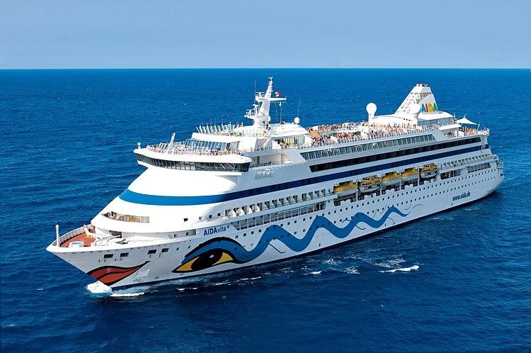 Tàu Aida Vita nhiều lần đưa khách vào Hạ Long trong các năm trước và lần này, không thể cập cảng Cái Lân. Ảnh: Aidavita.