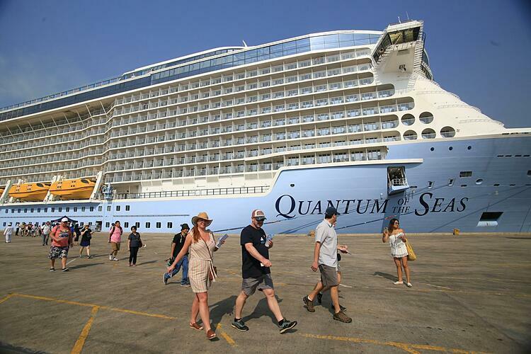 Với đường bờ biển dài, Việt Nam là quốc gia có lợi thế để phát triển du lịch tàu biển. Ảnh: Hoàng Anh.