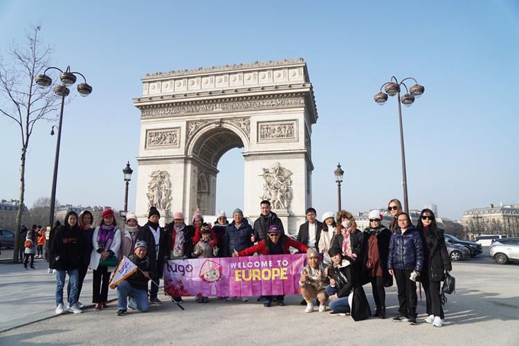 Anh Diệp Huỳnh, du khách đi tour châu Âu vào tháng 2 hài lòng và cảm thấy an toàn khi du lịch cùng Tugo, ngay cả trong mùa dịch. Anh cho biết hướng dẫn viên rất chu đáo, quan tâm tới khách trong chuyến đi. Ảnh: Tugo.