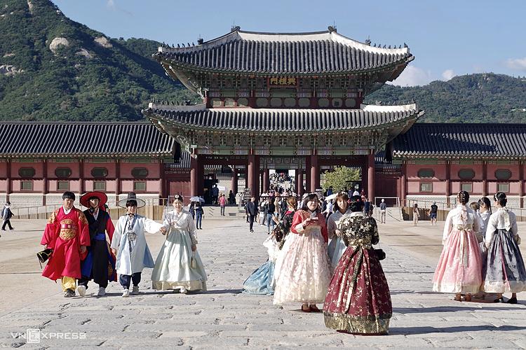 Hàn Quốc là một trong những điểm đến nước ngoài thu hút khách Việt. Ảnh: Tâm Linh.