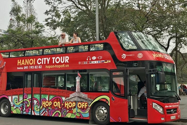 Năm 2018 xe buýthai tầng đã được đưa vào phục vụ du khách tại Hà Nội, còn ở TP HCM cũng đã có tuyến xe này năm 2019. Ảnh: Tâm Linh