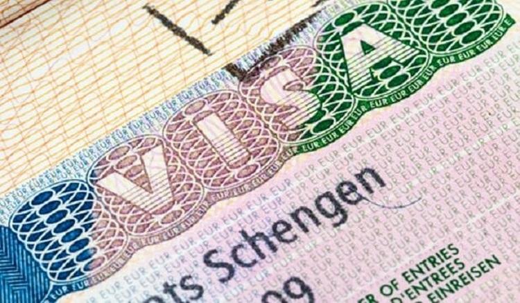 Visa Schengen cho phép công dân Việt Nam đi lại trong 26 nước như: Áo, Bỉ, Cộng Hòa Czech, Đan Mạch, Phần Lan, Pháp, Đức, Hy Lạp, Hungary, Iceland, Italy, Luxembourg, Malta, Hà Lan, Na Uy, Ba Lan, Bồ Đào Nha, Slovakia, Tây Ban Nha, Thụy Điển, Thụy Sĩ, Estonia, Liechtenstein, Slovenia, Latvia, Luxembourg. Ảnh: Envato.