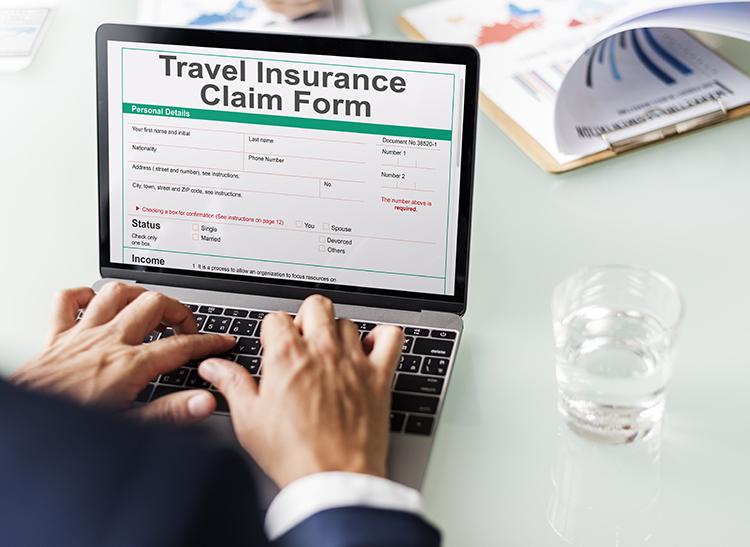 Việc mua bảo hiểm cũng không khiến bạn tốn quá nhiều chi phí. Ảnh: Envato.