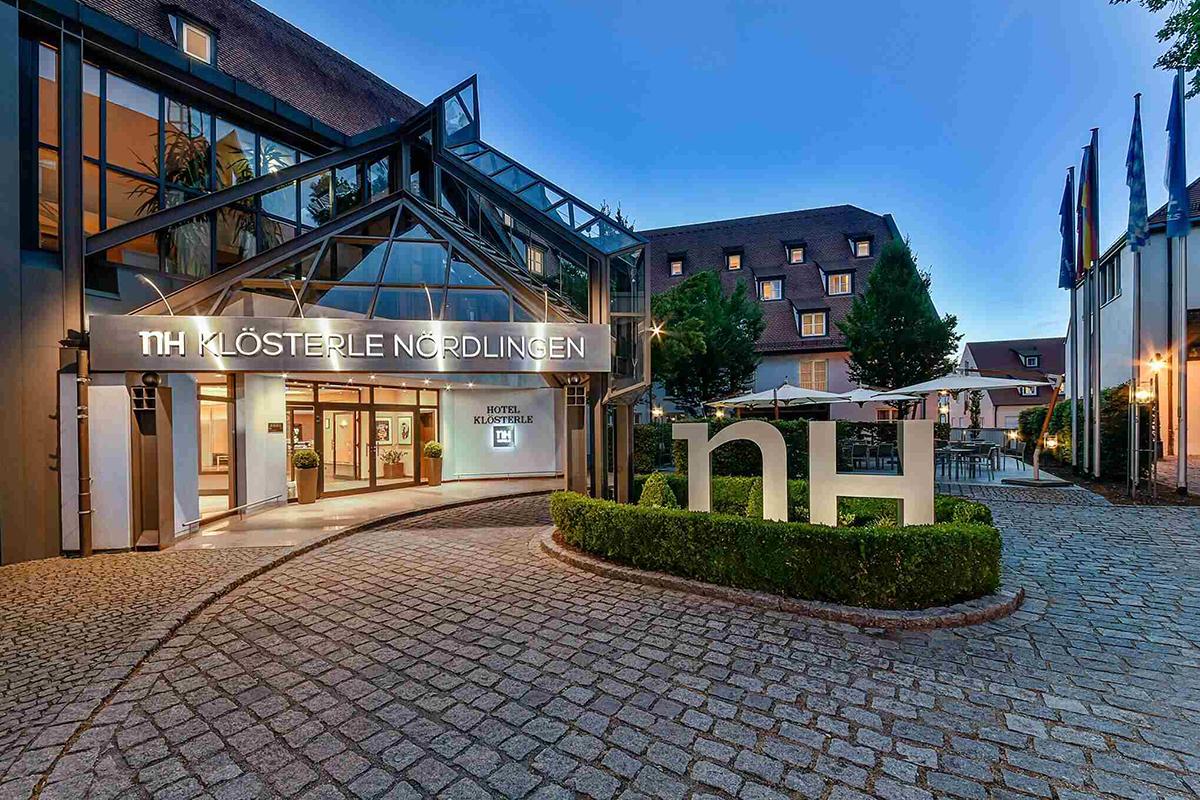 Khách sạn ở đây có giá từ khoảng 60 euro một đêm. Ảnh: NH.