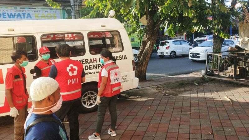 Xe cấp cứu tại hiện trường. Ảnh:Sydney Morning Herald.