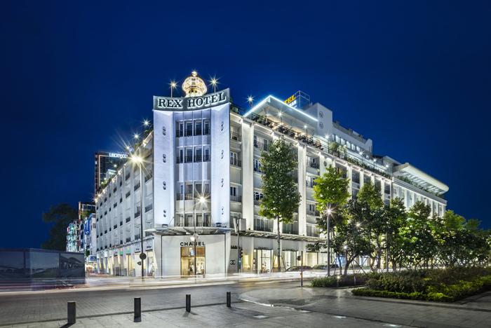 Khách sạn Rex thuộc Saiogntourist Group áp dụng hình thức phục vụ giao món ăn đến tận nhà phục vụ nhu cầu của nhiều khách hàng.