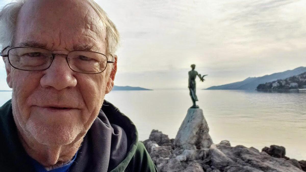 Howard trong chuyến du lịch tới thị trấnOpatija, Croatia. Ảnh: Croatia Week.