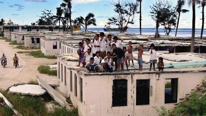 Giới chức địa phương lo ngại nếu dịch bệnh bùng phát ở Nauru, những người nghèo sẽ không thể vượt qua. Ảnh:Financial Times.