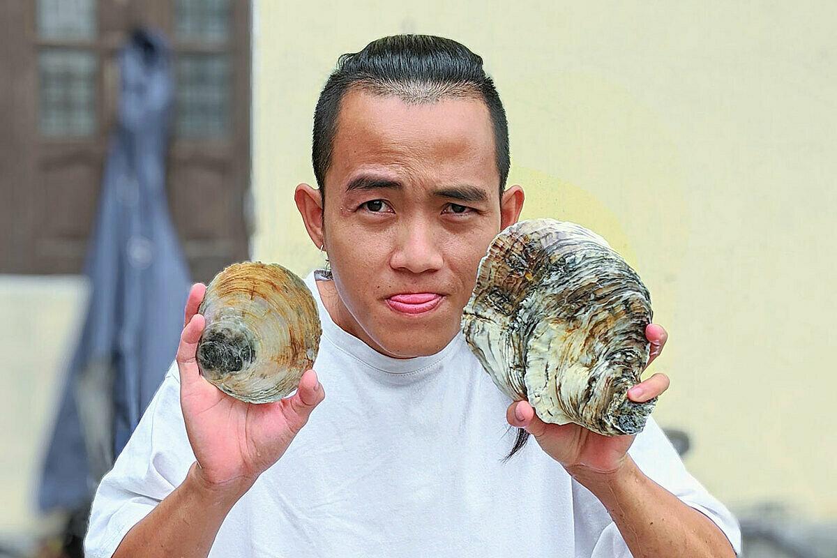Đặng Thanh Tùng là một vlogger có gần 260.000 lượt theo dõi trên kênh video du lịch, hấp dẫn khán giả bởi những điểm đến độc lạ ở Việt Nam. Ảnh: NVCC.