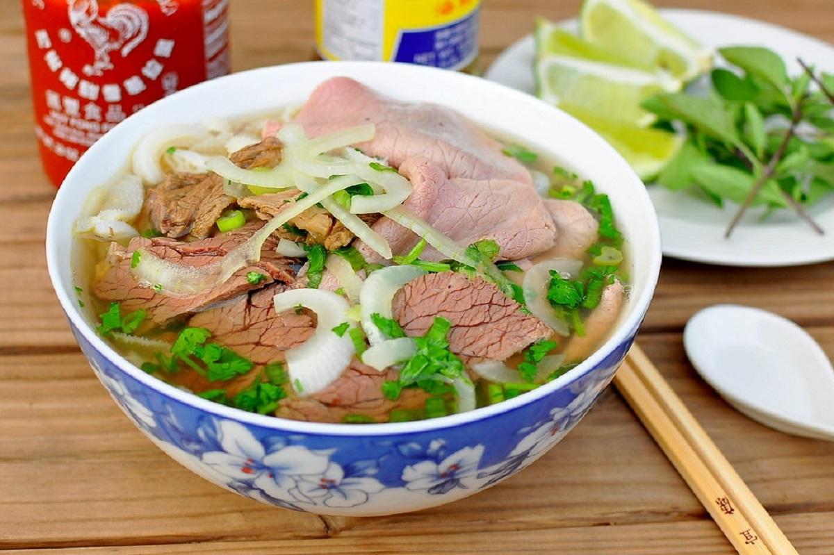 Phở được xem là món ăn phổ biến nhất Việt Nam. Ảnh:Cathy Chaplin/Flickr.
