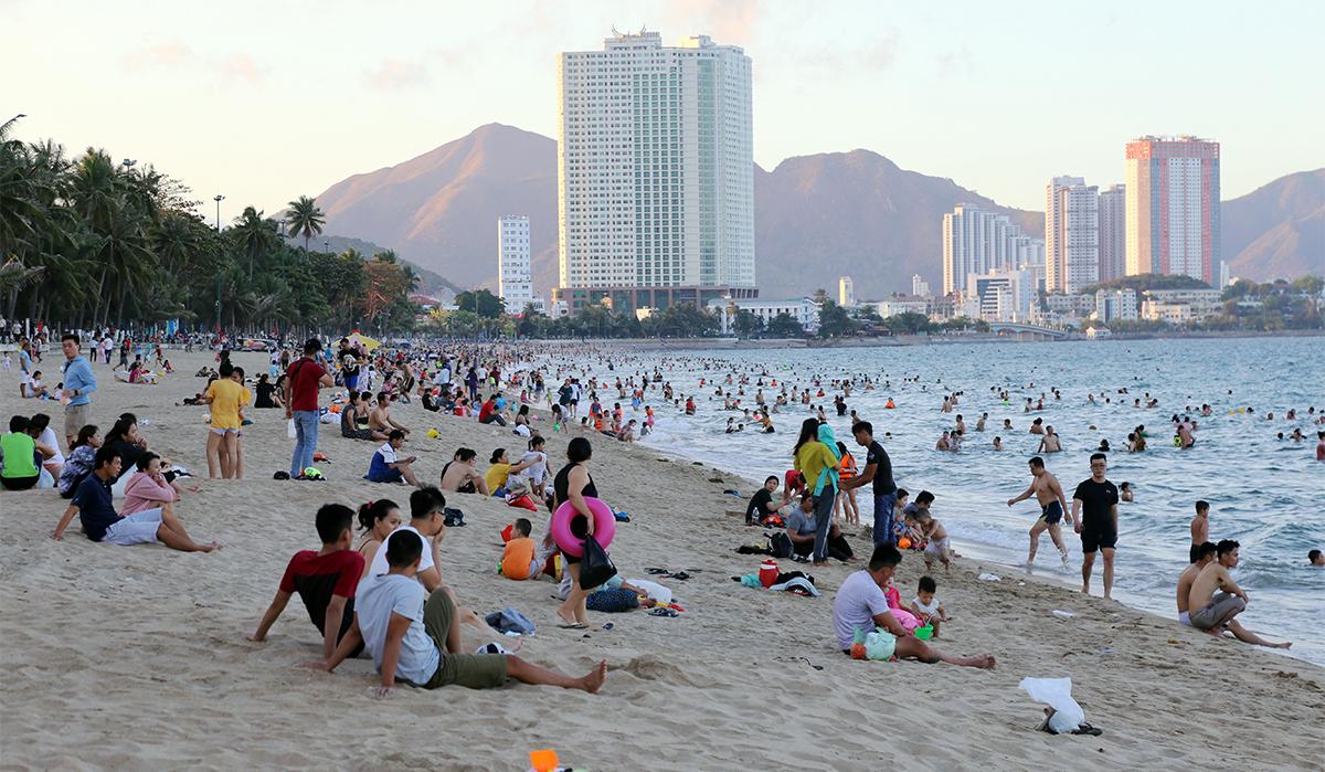 Du khách nội địa tăng nhanh trong dịp nghỉ lễ 30/4 là tín hiệu tích cực của ngành du lịch. Ảnh: Xuân Ngọc.