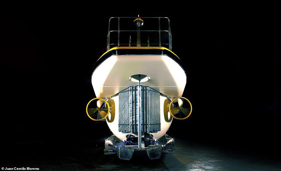 Khi lặn, DeepView24 gần như không tạo ra tiếng động, không gây ô nhiễm môi trường và tiện lợi, phục vụ hành khách mong muốn trải nghiệm biển sâu, bao gồm người khuyết tật nhờ vào lối cửa ra vào hiện đại, rộng rãi.